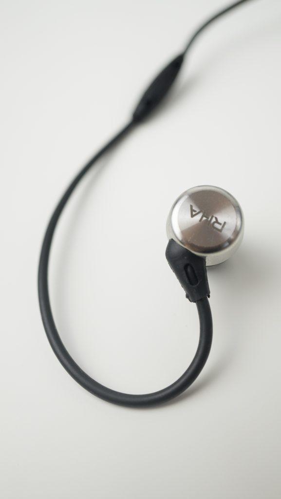 rha-mha750-i-in-ear-headphones-2