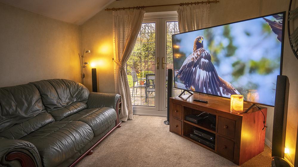 Samsung NU7100 Television