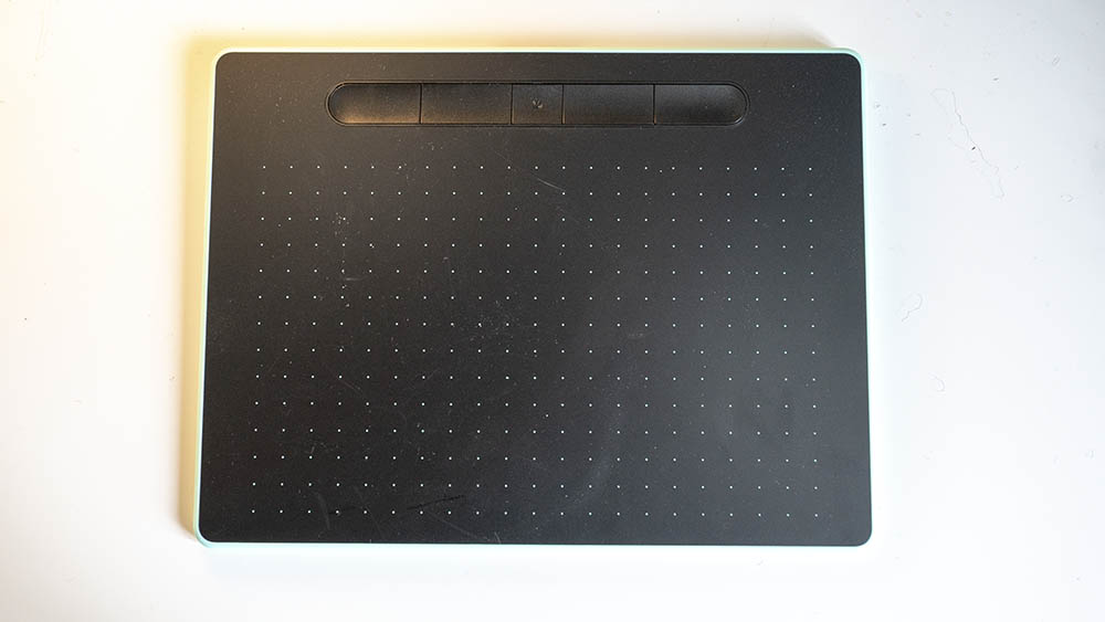 wacom intuos m drawing tablet