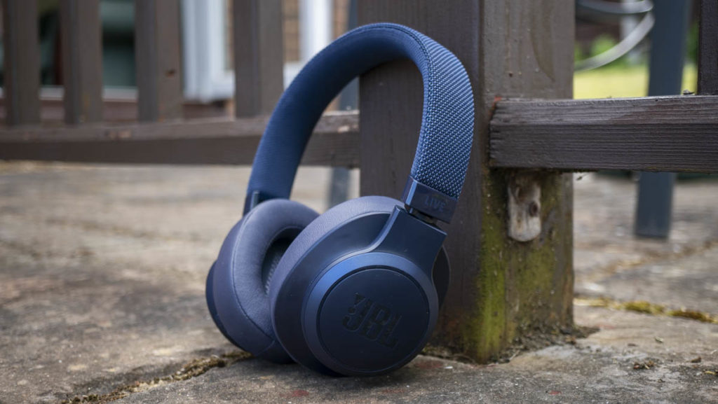 JBL LIVE500BT Bluetooth headphones