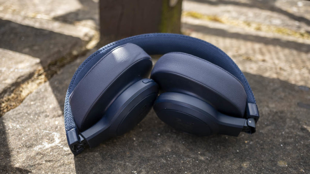 JBL LIVE500BT Bluetooth Headphones Review | TechNuovo