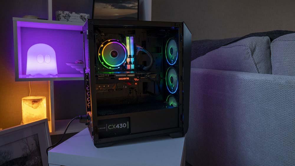 Tietokoneen tilan tarkastelu Abkoncore Helios 300 Sync